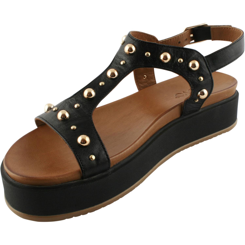 Une Pour Sandales Femme Paire Plates Noires De Voici Exclusif n08wNm