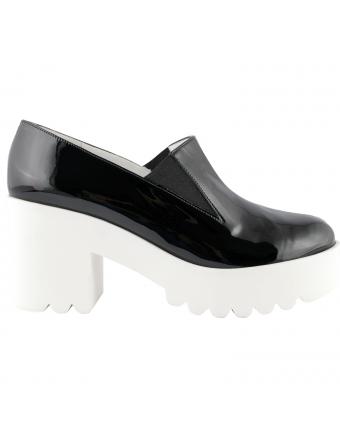 chaussures-a-talons-vernis-noir-erin-1