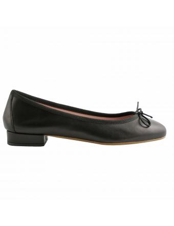 chaussures-plates-cuir-noir-lidia-1